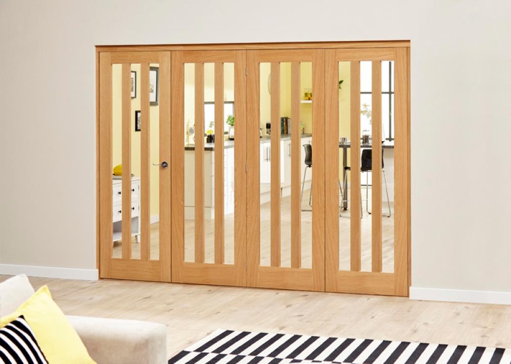 Oak aston roomfold deluxe clear glazed internal bifold doors for Internal folding doors