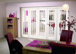Lincoln White Primed Bifold System: Internal Folding door Image