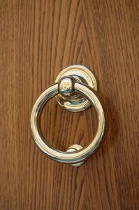 Circular door knocker