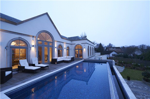 Stunning swimming pools vibrant doors blog - Houses in england with swimming pools ...
