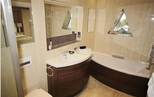 Properties For Sale With Beautiful Bathrooms Vibrant