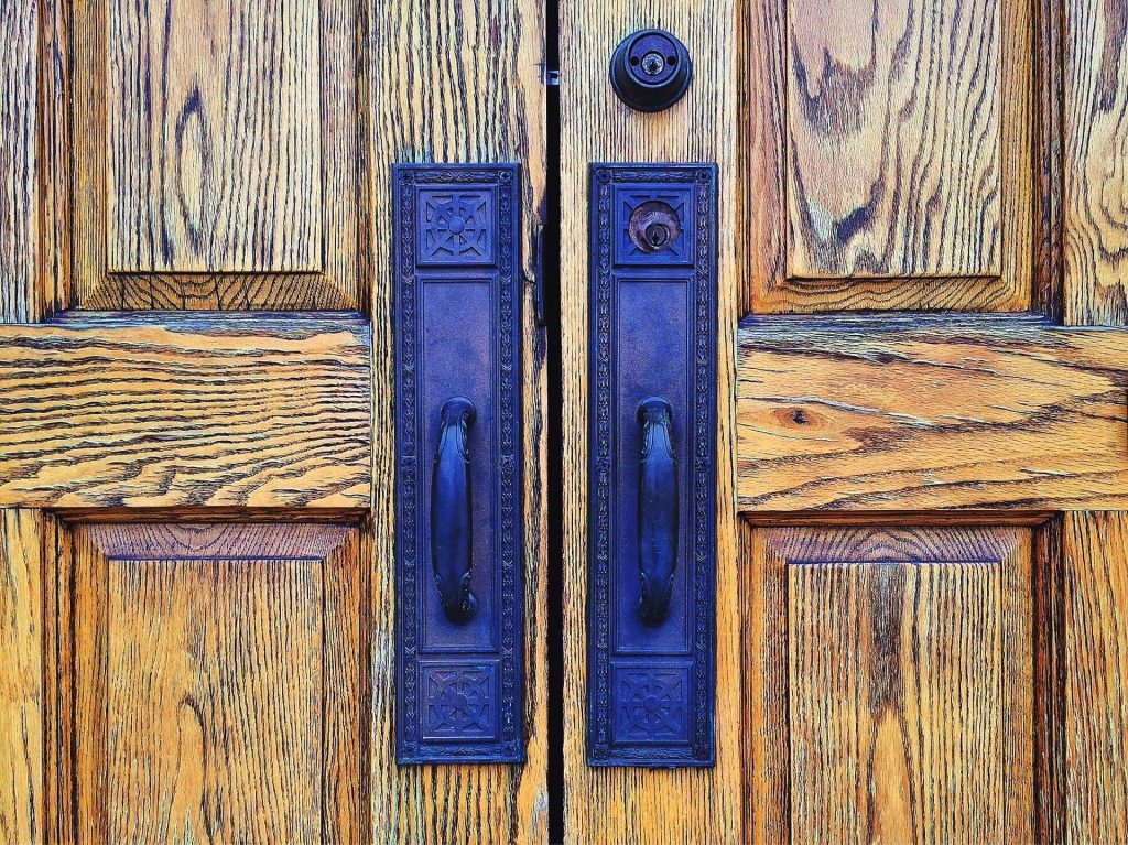 Wooden Door Troubleshooting: Warping, Cracks & Common Problems ...