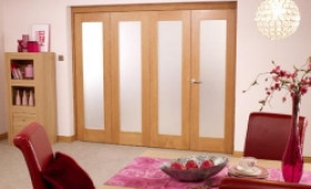 Porto Oak Internal Bifold Doors: Perfect Room Dividers