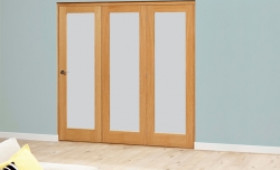 Porto Oak Glazed Roomfold Deluxe - Frosted Image