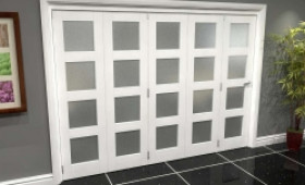 White Frosted 4l Roomfold Grande (5 + 0 X 533mm Doors) Image