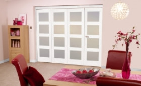 White Shaker 4l Bifold 4 Door (2400mm - 8ft) Frosted Image