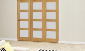 Oak 4l Shaker Glazed Roomfold Deluxe (3 X 686mm Doors) Image