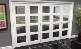 White 4l Roomfold Grande (5 + 0 X 686mm Doors) Image