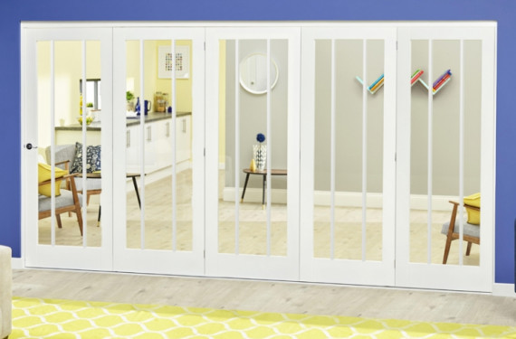 White Lincoln Roomfold Deluxe ( 5 X 686mm Doors)