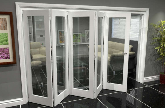 White P10 Roomfold Grande (5 + 0 X 686mm Doors)
